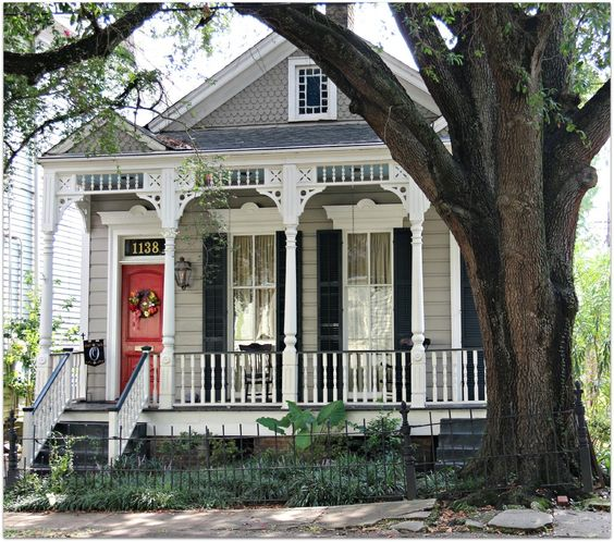 New Orleans Uptown Home under the Oak Trees NH