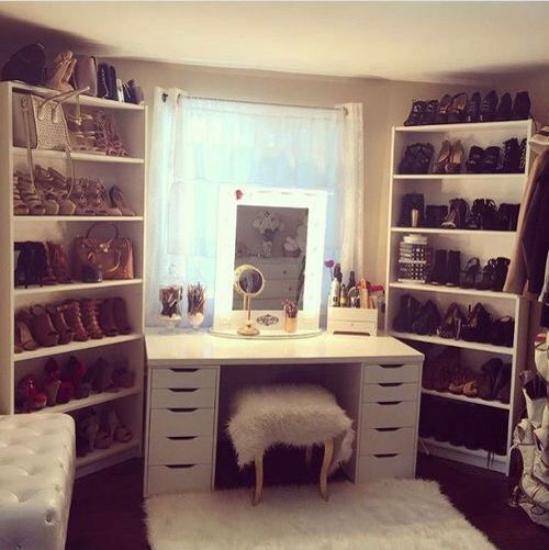 Love the book shelves for shoes, nxt to vanity