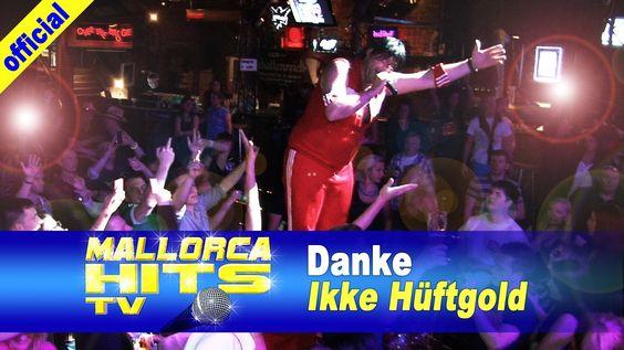 """Ikke Hüftgold mit """"Danke"""", live in der Rockfabrik Nürnberg. Mit """"Danke"""" bedankt sich Ikke für 5 Jahre Freundschaft und tolle Erlebnisse im und ausserhalb des Mallorca Bierkönig. Aktuell bringt er gerade mit Rick Arene einen richtig tollen Rock Song unter die Leute: """"So wie in alten Tagen"""". http://mallorcahitstv.de/2014/06/ikke-hueftgold-danke-bierkoenig-party-hits-2014/"""