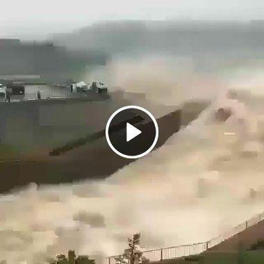 Abrindo a Barragem O Espetáculo da água