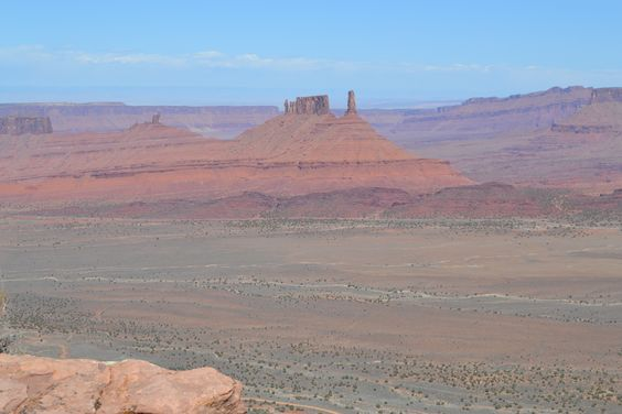 View from Porcupine Rim mountain bike trail in Moab, UT