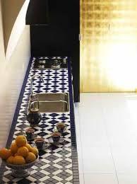 Resultado de imagen para mesada de cocina con azulejos