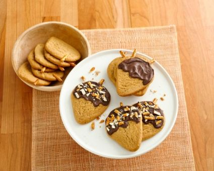 Chocolate-Peanut-Butter Acorn Cookies