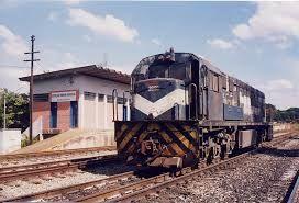 Resultado de imagem para fotos de trens da fepasa