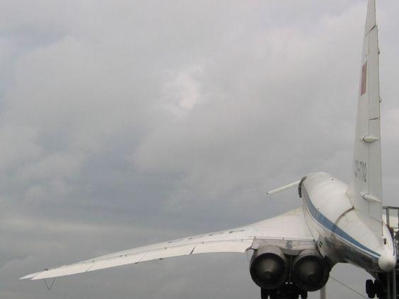 Tupolew Tu-144 http://www.formfreu.de/2007/11/06/sinsheim-tupolew-tu-144/