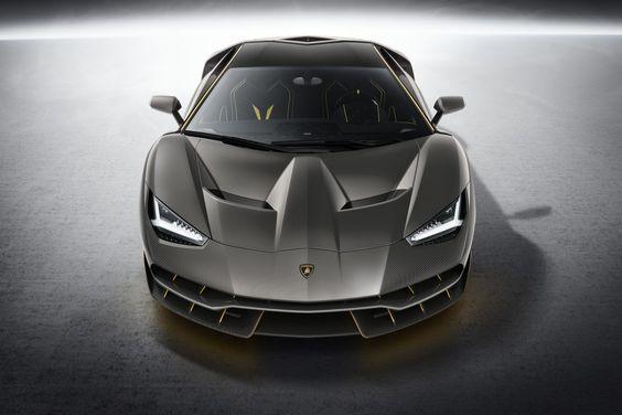 全球限量 40 台!Lamborghini 旗艦超跑 Centenario 傲然登場