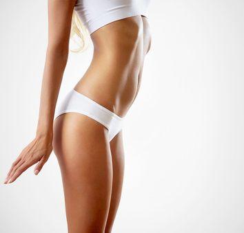 Sportübungen fpr zuhause sind perfekt zum abnehmen und Fett verbrennen. Hier gibt´s einen Top Trainingsplan mit Sportübungen für zuhause.