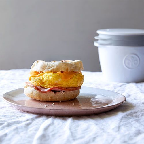 Pampered Chef Breakfast Sandwich Maker Ditch The Drive Thru And Make A Home Breakfast Sandwich Maker Sandwich Maker Recipes Breakfast Sandwich Maker Recipes