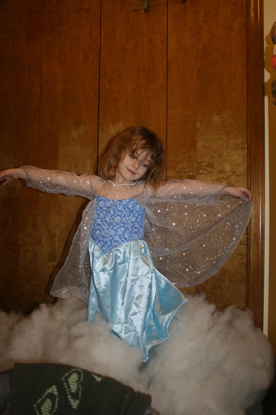 Pattern to make and Elsa dress inspired by Disney's Frozen movie!