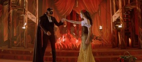 The Phantom of the Opera_Gerald Butler cape, Emily Rossum-001