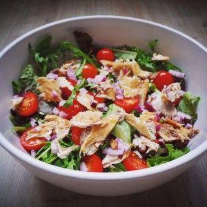 Makreelsalade met tomaat, uit, augurk en ei #healthyfood #salad