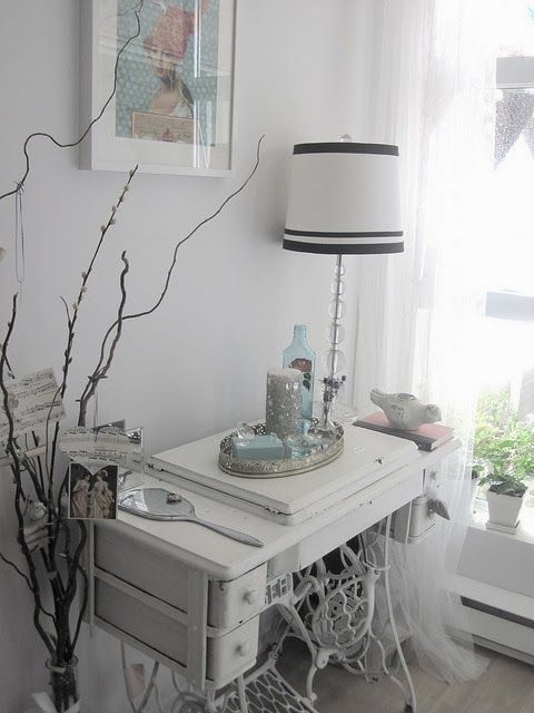 60 Ideas to recycle your old sewing machines in furniture diy  with Vintage Upcycled sewing machine Recycled Interior Furniture DIY:
