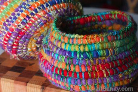 crochet basket - single crochet around felt