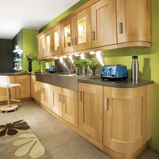 Light Oak Kitchen Wall Units : Lime green L-shaped kitchen Curves soften the look of an L-shape layout - here, they re present ...