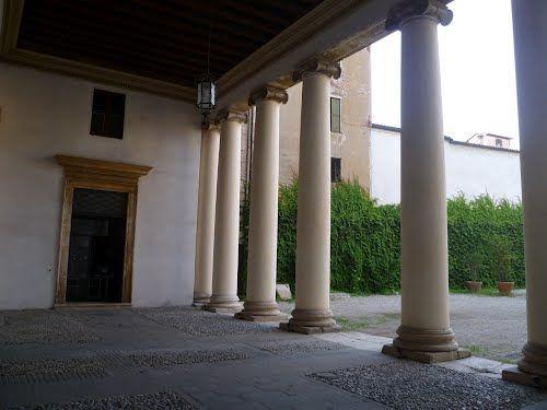 Andrea Palladio: Palazzo Valmarana, 1565, Vicenza, Italy; the loggia towards the court
