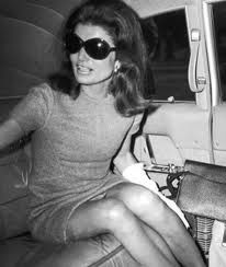 Jacqueline Kennedy http://girltomom.com/fumbling-towards-ecstacy/are-you-a-marilyn-or-a-jackie-kennedy/attachment/jackie-kennedy-sunglasses