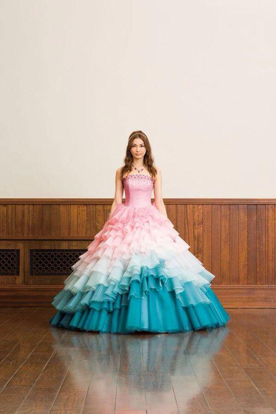 押切もえ三色のドレス