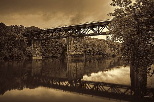 Oldstyle    Paris Train Bridge in Golden Sepia Old Style