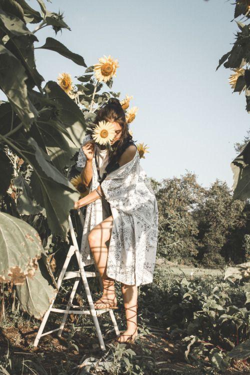 Beautiful Flowers With Beautiful Dresses Photography Aesthetic Photography Photography Poses