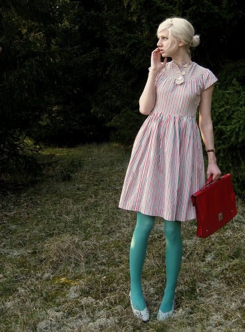 robins egg blue tights - I've noticed that I like many different variations of this outfit (neutral colored dress & statement tights in fun colors). yeah, so, i need outfits like this one. And I definitely need to find where I can buy tights of this color exactly.