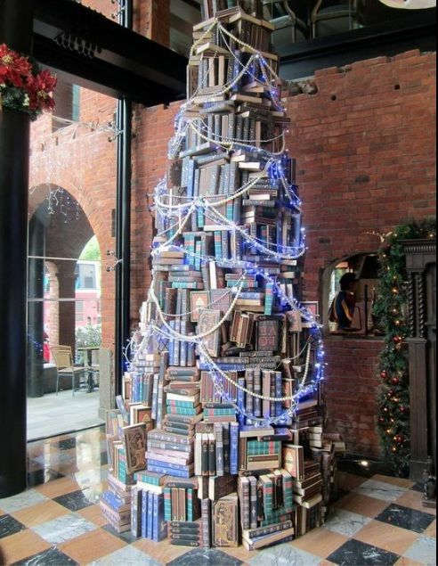 Christmas book tree. Pin if you like it! :) #christmas #xmas #books #decoration