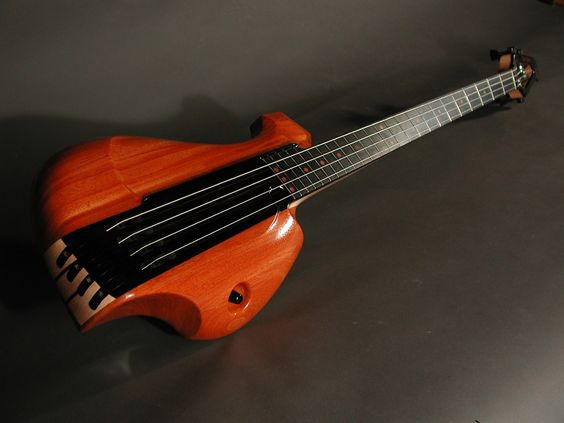 Bass Guitar - Anyone got the maker for this??? Note the twisted neck...