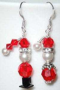 So cute! Santa and Mrs. Claus earrings set uses sparkling Swarovski crystal beads and pearls. Look for DIY project #2-48 on the Idea Page.