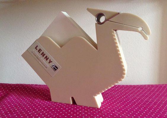 """""""Lenny, o camelo e porta recado mais lindo da sua mesa! """" - Loja finé - www.lojafine.com"""