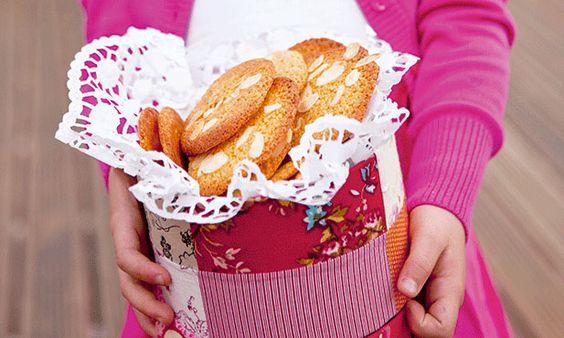 Bolachas de amêndoa - chame os seus filhos para a cozinha, duplique a receita e tem bolachas para toda a semana.