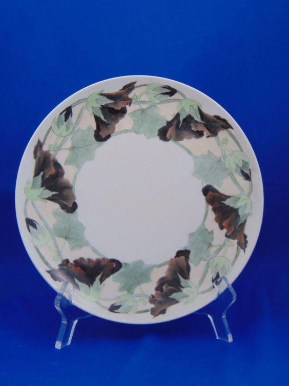 Haviland Limoges Arts & Crafts Morning Glory Motif Plate (Signed/c.1894-1931)