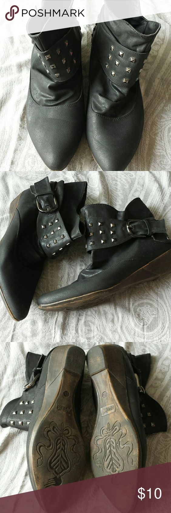 APRES low bootie  sz10 Blk with silvertone details on buckle and heel Gently worn APRES  Shoes Ankle Boots & Booties