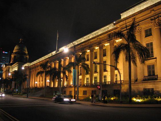 Tòa thị chính khi đêm về
