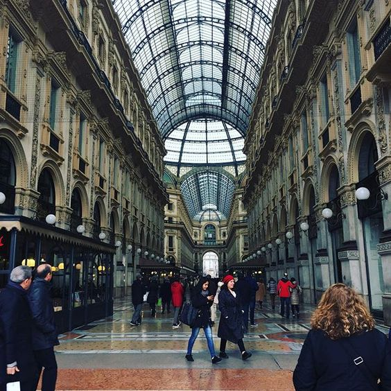 Day 60: Missing this a little extra today #milan #travel #fashion #glam #mfw #fw16 #photooftheday #italy #design #shopping #model #design #outfit #style #love #beautiful #blogger #fashionblogger #mainstthreads #duomo