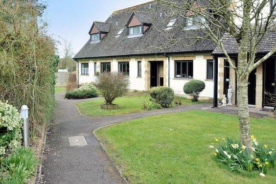 2 bed cottage for sale in 14 King Edmund Court, Gillingham, Dorset. SP8 -            £128,500                  Guide price