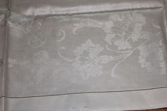 66 x 84 Vintage FORMAL DINING White IRISH LINEN DAMASK Tablecloth with orig. tag #Tablecloth