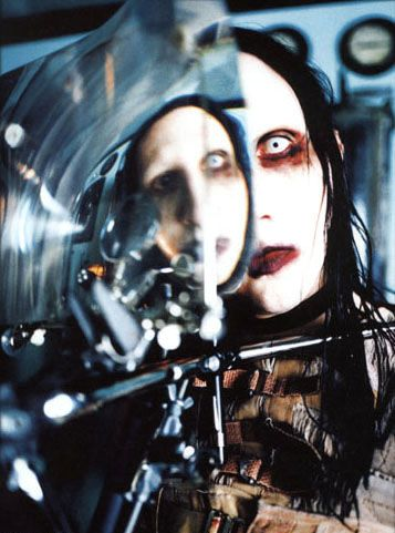 ガラス越しのMarilyn Manson