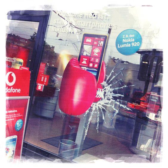 ... Boxing Gloves Shooting / Vodafone