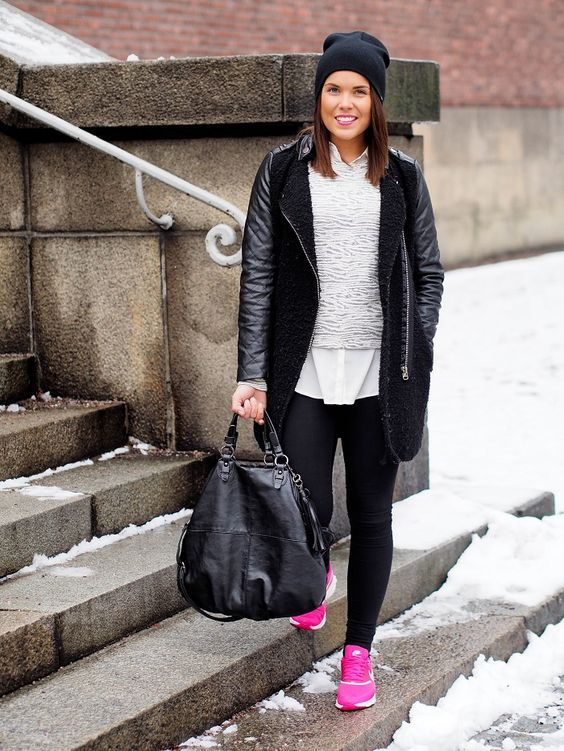 I really love this simple casual outfit with these pink nike air max \u0026lt;3