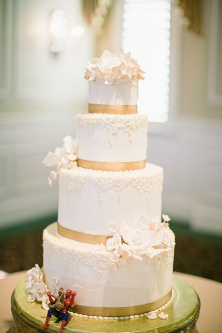 red gold and white wedding cakes gold wedding cakes wedding cakes and gold weddings on 19124