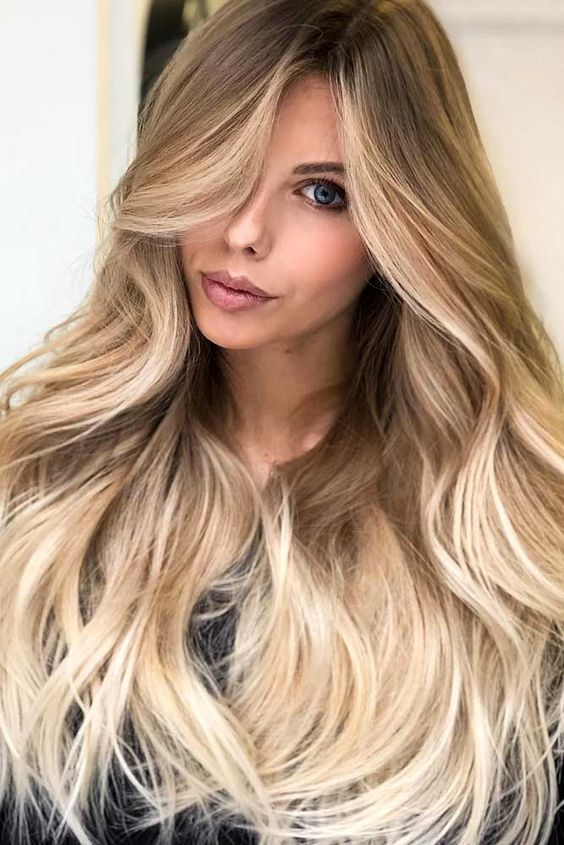 Blonde Hair Color For Spring #blondehair Spring hair colors are cool and refreshing, allowing you to be trendy and enhan…