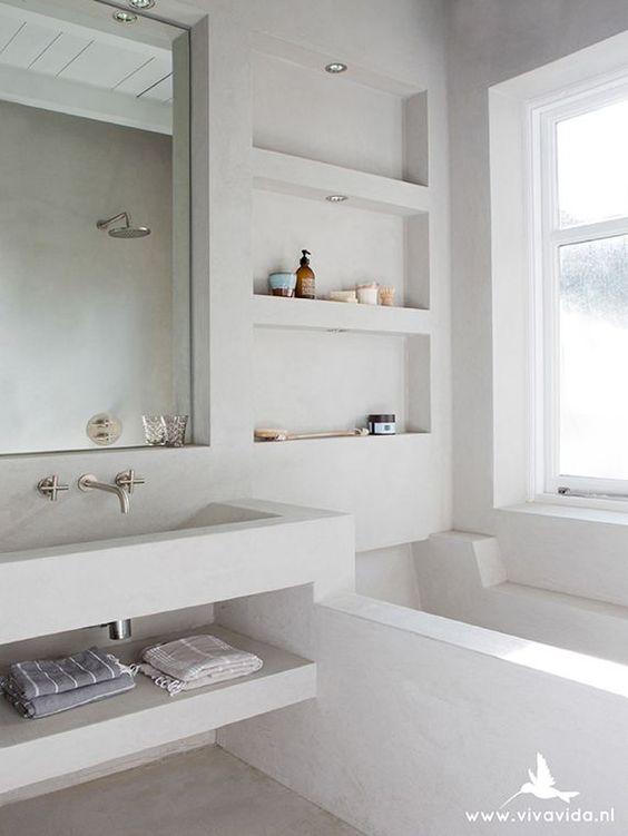 http://barefootstyling.nl/portfolio/ Tadelakt bathtub via Viva Vida