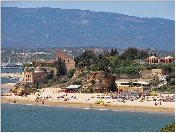 Praia Grande, Ferragudo. Algarve, Portugal