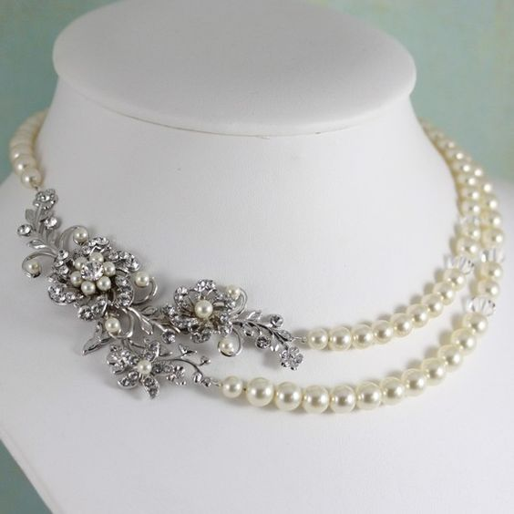 Google Image Result for http://vintagebridaljewellery.files.wordpress.com/2011/10/foliagenecklace.jpg