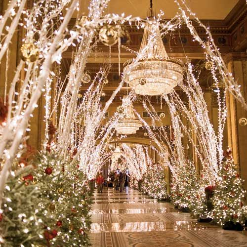 Christmas Decorations Ideas For Hotels: Roosevelt Hotel In New Orleans! #christmas