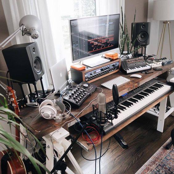 11 Awe Inspiring Small Music Studio Ideas For Apartments Home Music Rooms Home Studio Setup Home Studio Desk