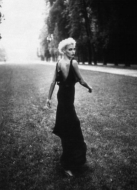 Nadja Auermann by Patrick Demarchelier for Harper's Bazaar US October 1994