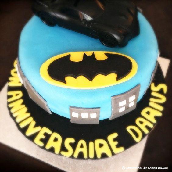 Batman cake Darius - Gâteau d'anniversaire pâte à sucre