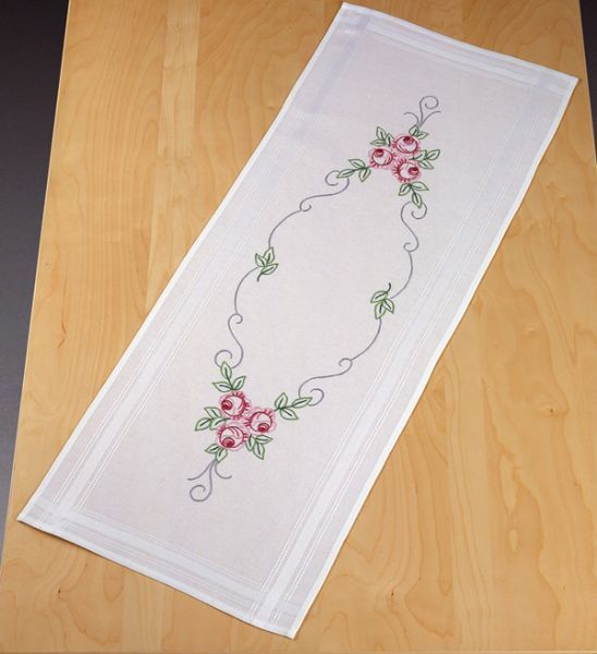 Printed embroidery permin uk ne oyas pinterest for 102 table runners