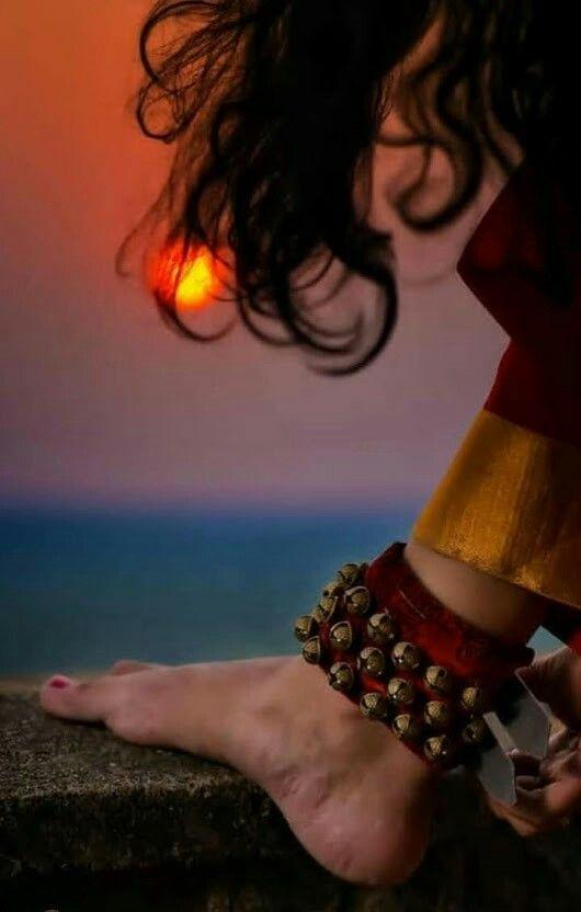 Pin By Geetha Krishnan On ച ലങ ക Kathak Dance Indian Classical Dance Dance Of India