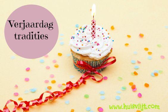 Blog post at Huisvlijt :  Toen mijn zusjes en ik nog klein waren was het de verjaardagstraditie dat we cadeautjes kregen op bed. Het hele gezin verzamelde zich 's[..]